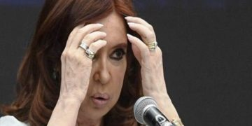 "(FILES) In this file photo taken on November 19, 2018 former Argentine president (2007-2015) and current senator Cristina Kirchner, gestures during the First World Critical Thinking Forum in Buenos Aires. - On February 06, 2019 Argentine anti-corruption judge Claudio Bonadio summoned ex-president Cristina Kirchner to testify as part of the investigation into the so-called ""corruption notebooks"" case. Kirchner among a hundred other suspects will re-appear before justice from February 20. (Photo by EITAN ABRAMOVICH / AFP)"