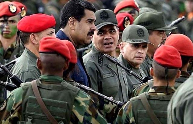 Nicolás Maduro y Vladimir Padrino López