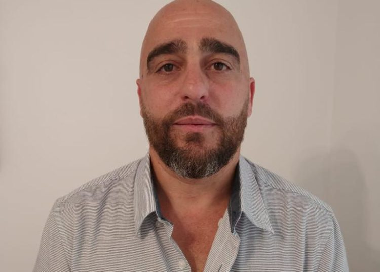 Ernesto Pavone