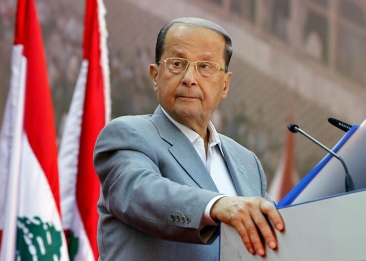 XNM01 BEIRUT  LIBANO  31 10 2016 Fotografia de archivo del 11 de octubre de 2015 del general Michel Aoun  a quien hoy el Parlamento libanes eligio presidente de la Republica  casi dos anos y medio despues de que expirara el mandato del anterior jefe de Estado  Aoun fue elegido en segunda votacion con el apoyo de 83 diputados de los 127 que acudieron a una caotica sesion de investidura  la numero 46 celebrada con el objetivo de elegir a un presidente  EPA NABIL MOUNZER